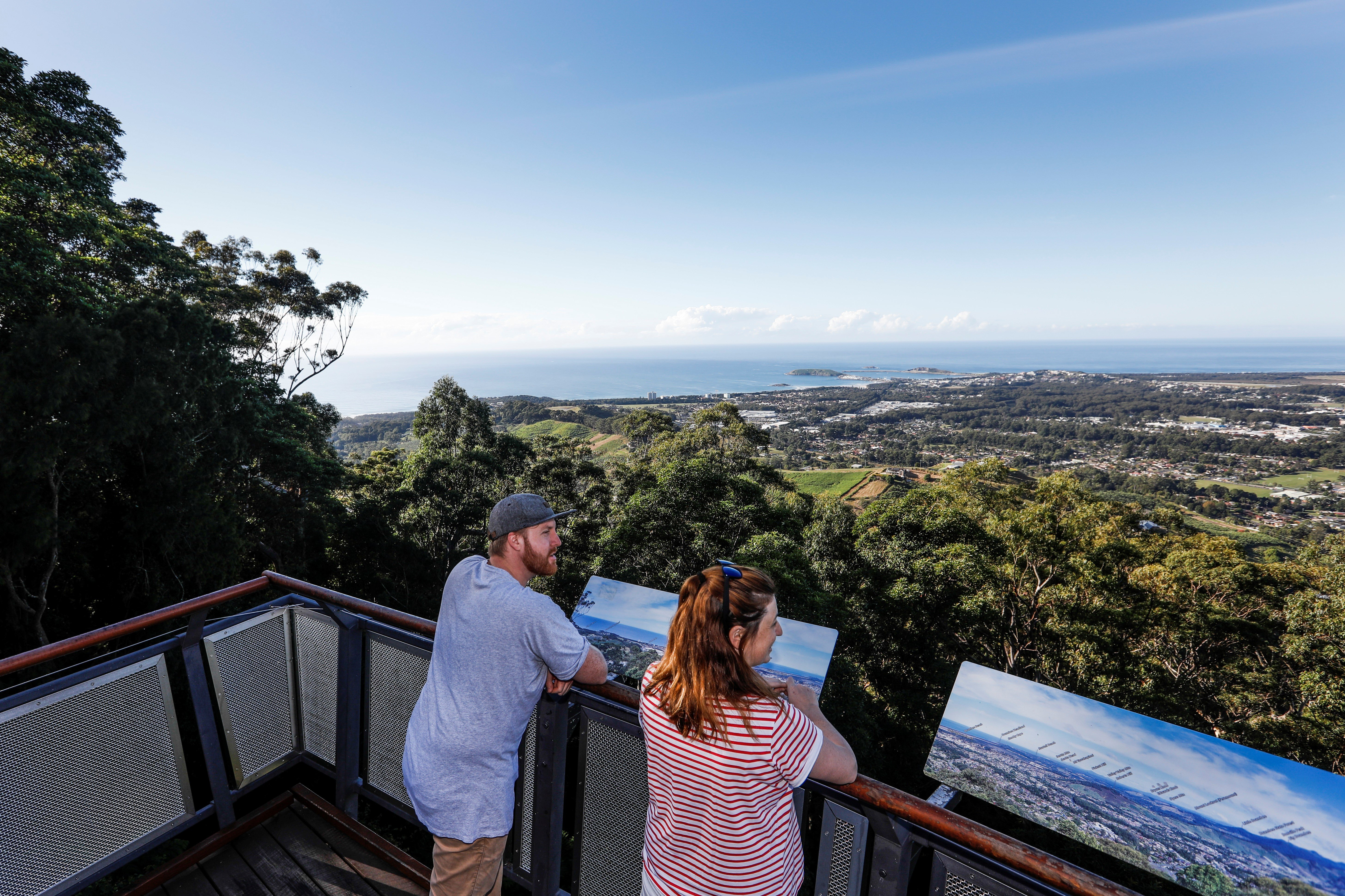 Image of a couple at Sealy Lookout in Coffs Harbour NSW