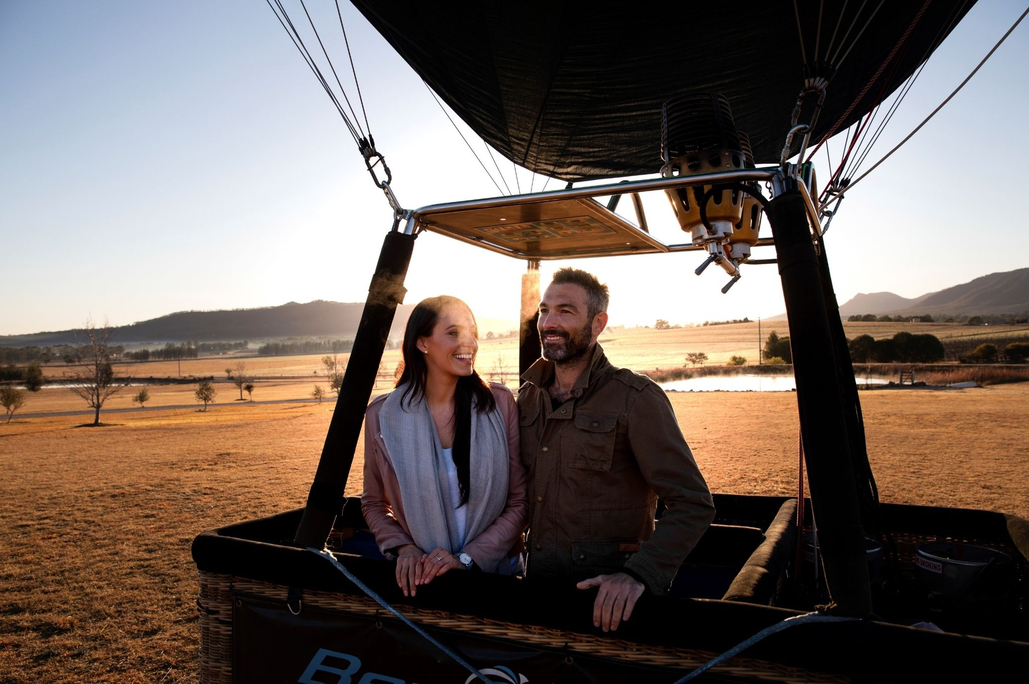 Image of a couple in a Hot Air Balloon in the NSW Hunter Valley